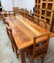 Mesa de Jantar Rústica Com 10  Cadeiras