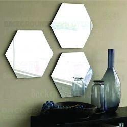 Espelho decorativo em acrílico modelo Hexágono - Unidade 30x26 cm